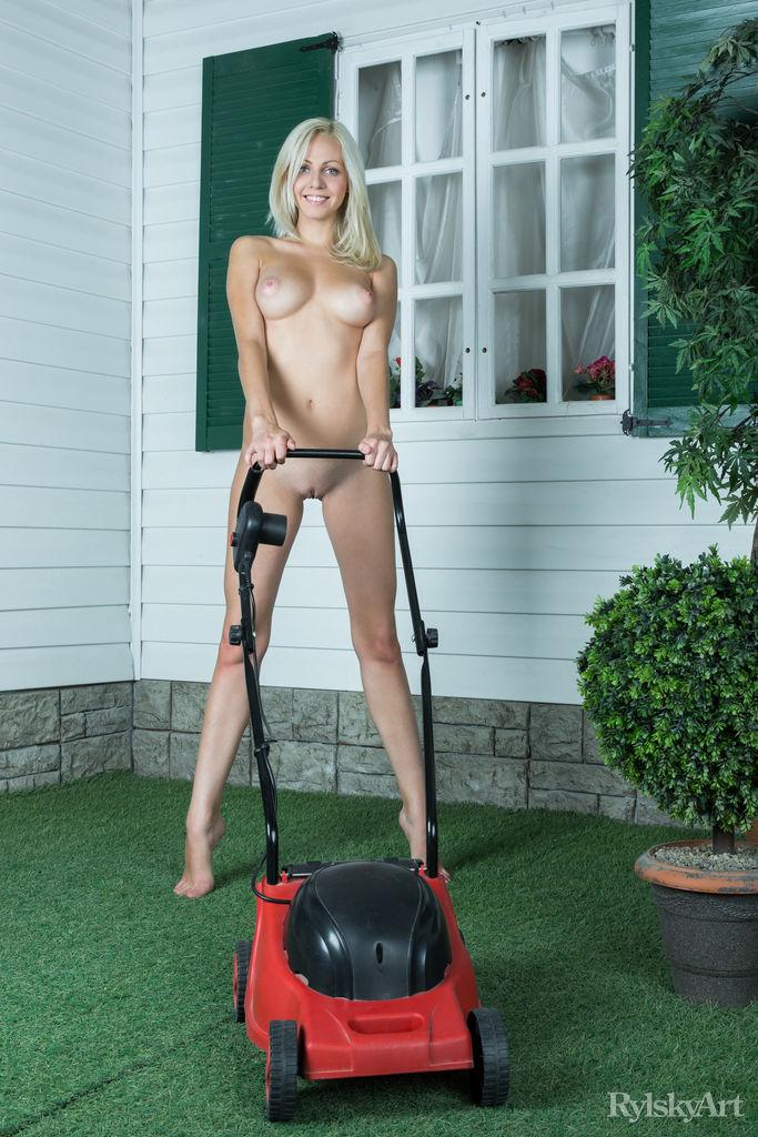 Attractive Mowing Lawn Nude Photos